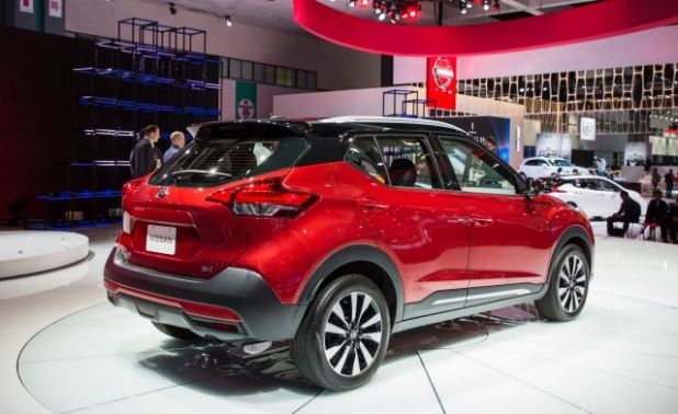 2019 Nissan Kicks rear