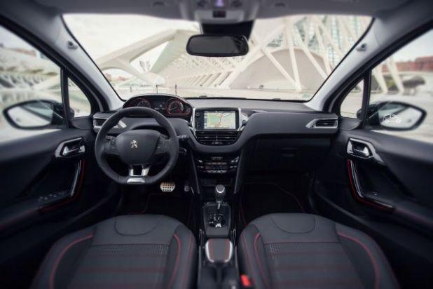 2019 Peugeot 2008 interior