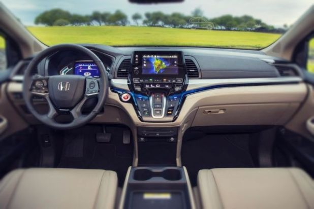 2019 Honda Crosstour interior