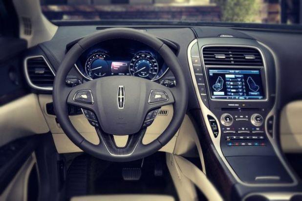 2019 Lincoln MKT interior