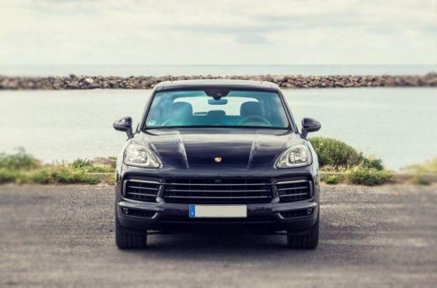 2019 Porsche Cayenne E-Hybrid front