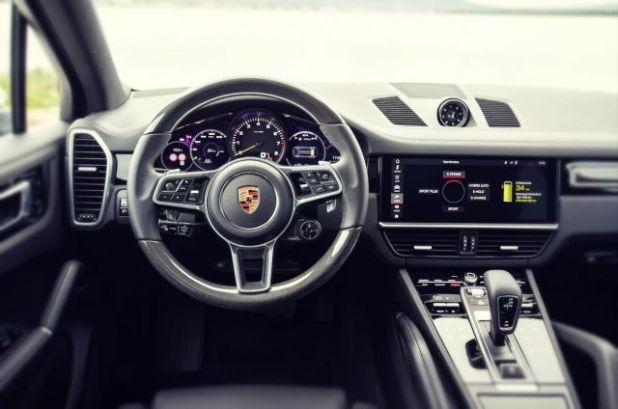 2019 Porsche Cayenne E-Hybrid interior