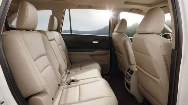 2020 Honda Pilot interior 01