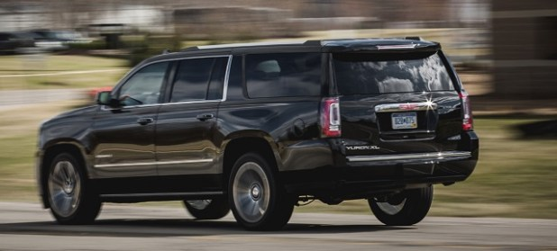 2020 gmc yukon rear view