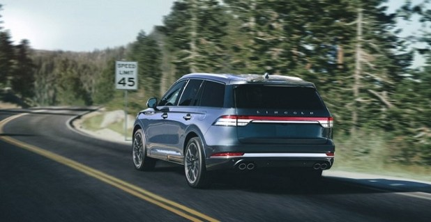 2020 Lincoln Aviator rear view