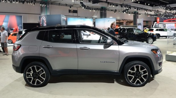 2020 Jeep Compass side view