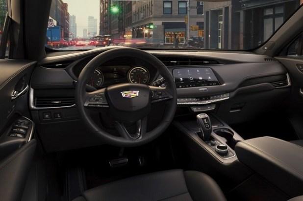2020 Cadillac XT4 interior