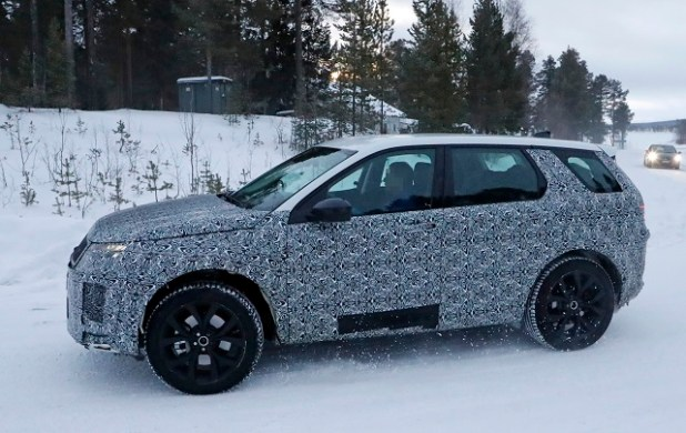 2020 Land Rover Discovery spy shots