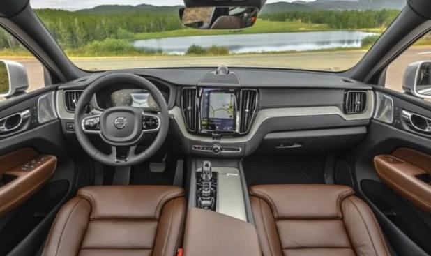 2020 XC70 interior