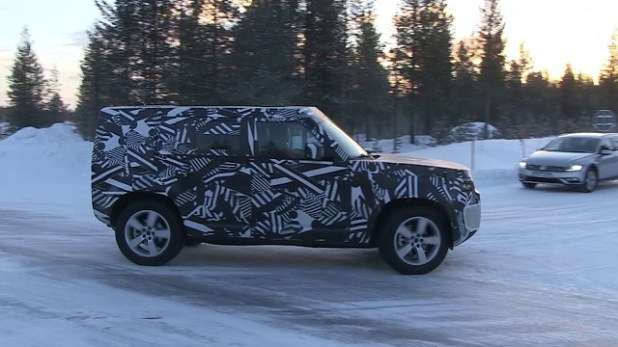 2020-Land-Rover-Defender-side-view