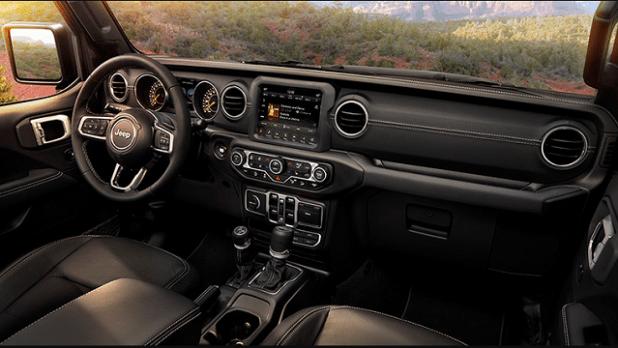 2021-Wrangler-interior