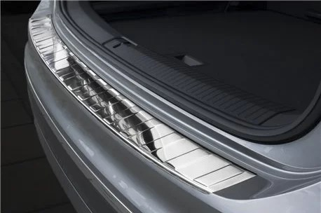 protection de seuil de coffre en inox chrome volkswagen tiguan 2 2015