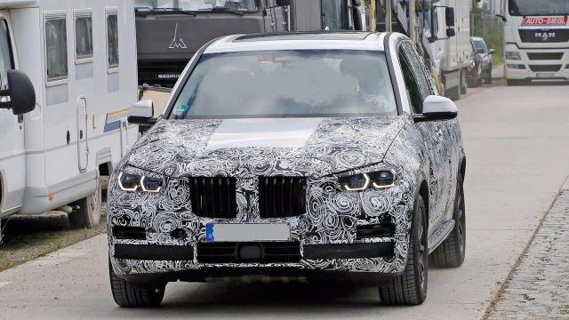2019 BMW X5 M front