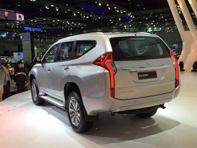 2019 Mitsubishi Pajero rear view