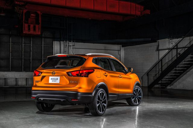 2019 Nissan Rogue rear