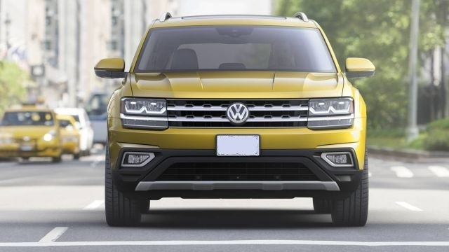 2019 VW Atlas front