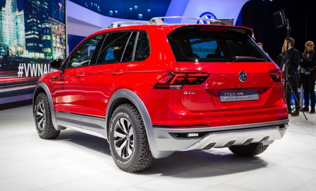 2019 VW Tiguan GTE Active rear
