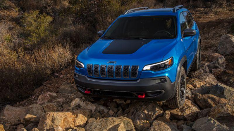 2019-Jeep-Cherokee-front.jpg