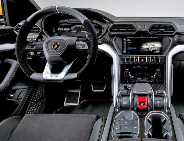 2019 Lamborghini Urus interior