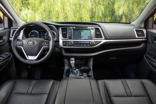 2019 Toyota Highlander interior view