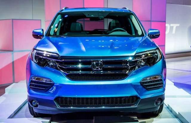 2019 Honda Pilot Hybrid front