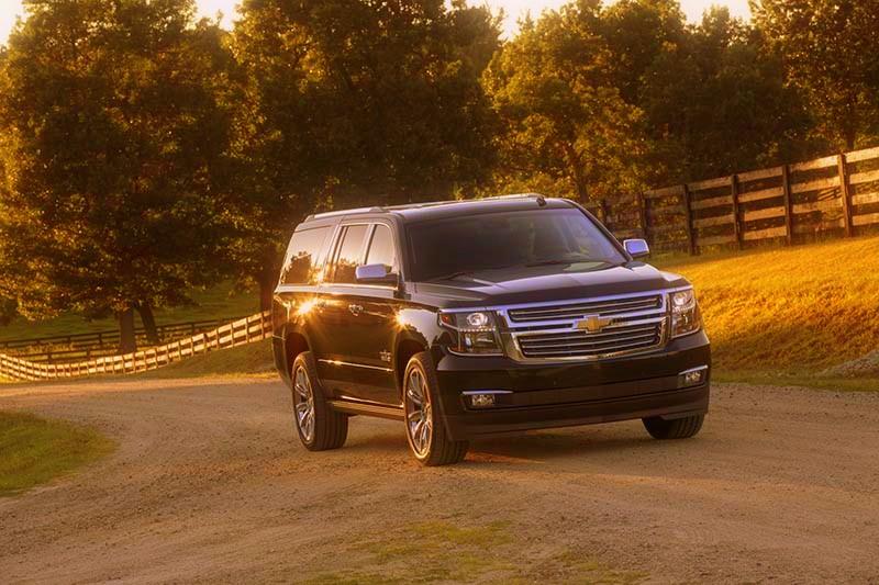 2019-Chevrolet-Suburban-Diesel-front.jpg