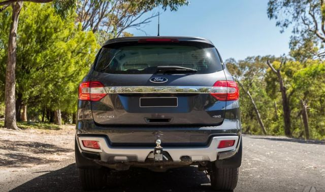 2019 Ford Everest rear