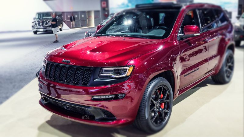 2019-Jeep-Grand-Cherokee-SRT-front-1.jpg