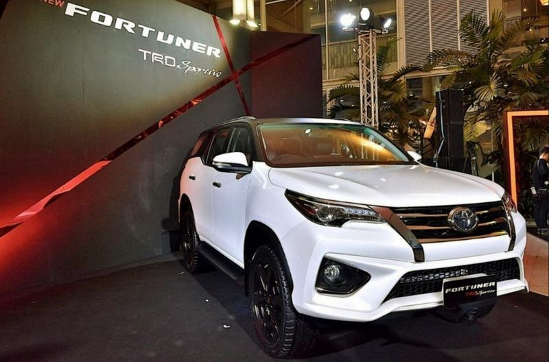 2019-Toyota-Fortuner-front.jpg