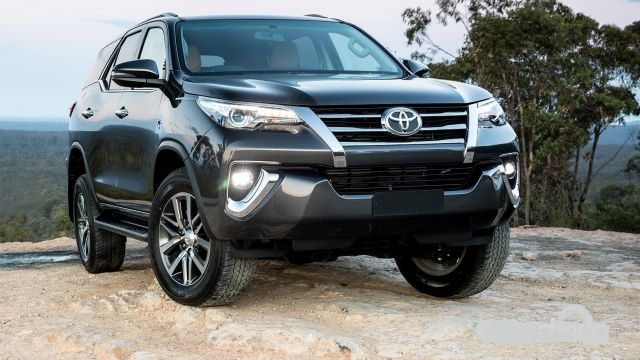 2019 Toyota Fortuner view