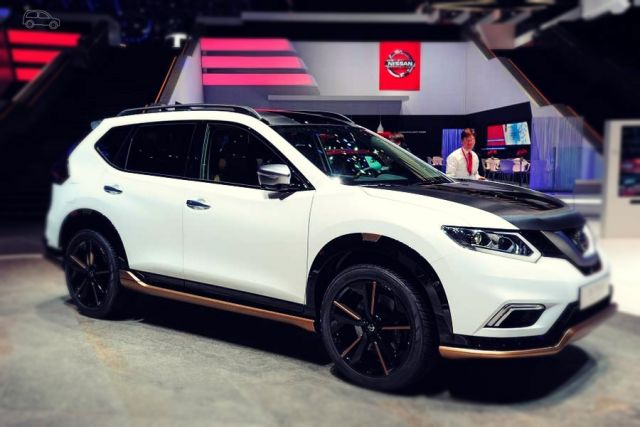 2019 Nissan X-Trail side