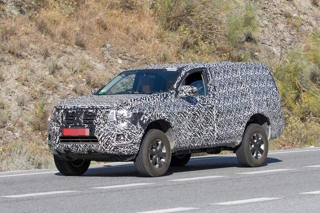2020 Nissan Pathfinder spy shots