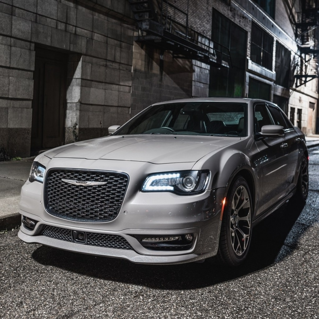 2020 Chrysler 300 Spy Photos