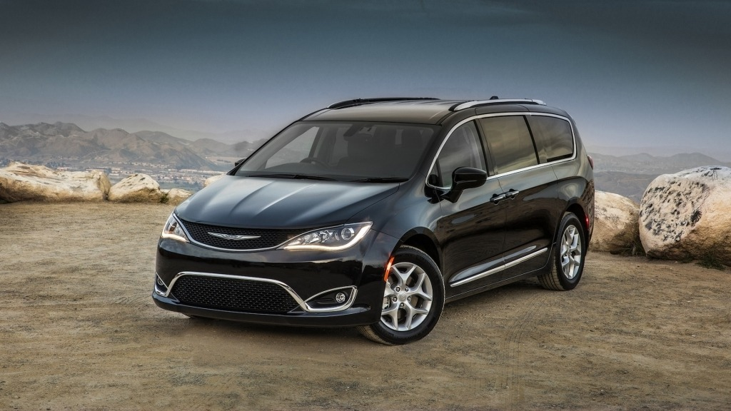 2020 Chrysler Pacifica Images