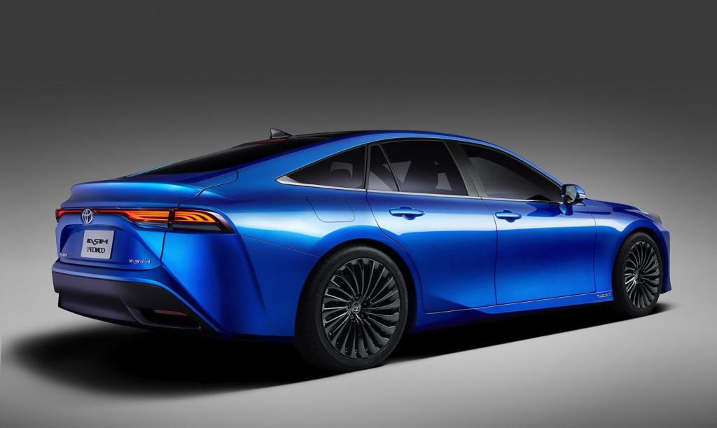 2022 Toyota Mirai Hydrogen Fuel Cell EV Images