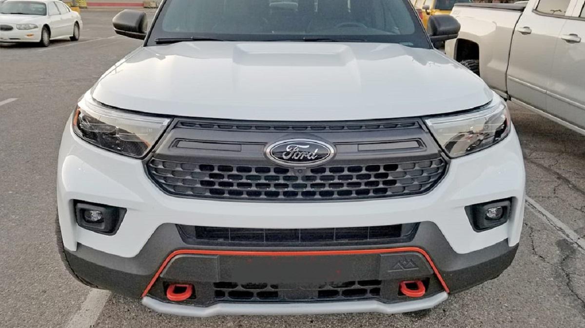 2022-Ford-Explorer-front.jpg
