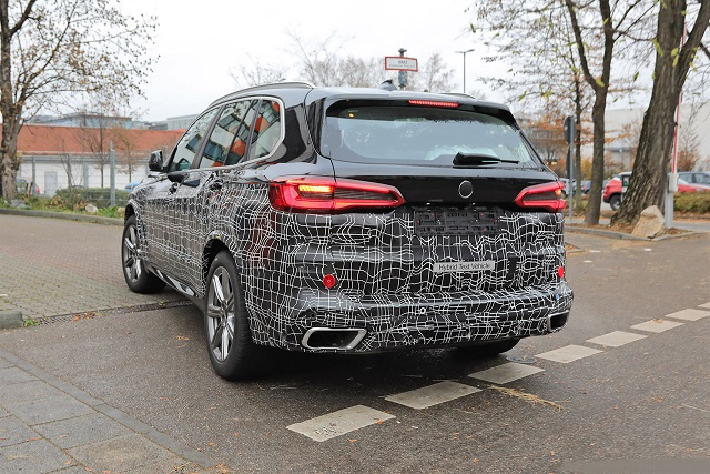 2023 BMW X5 rear