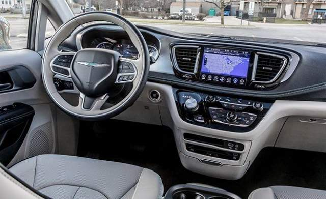 Chrysler crossover SUV interior