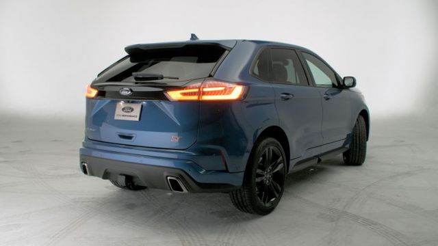 2019 Ford Edge rear