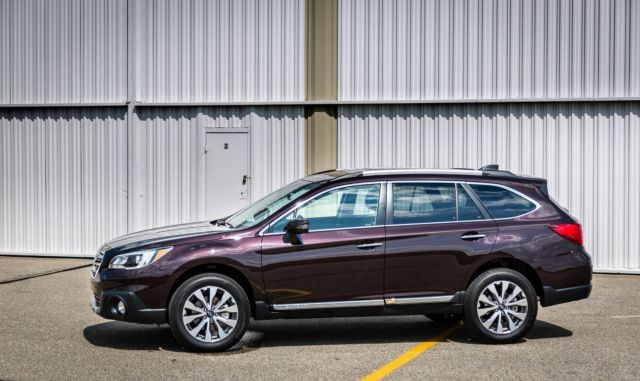 2019 Subaru Outback side