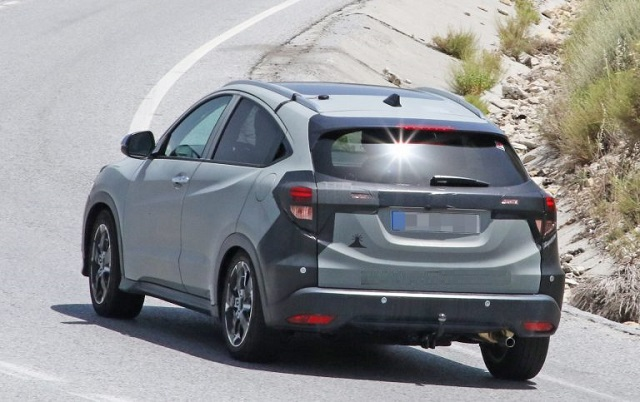 2019 Honda HR-V spy photos