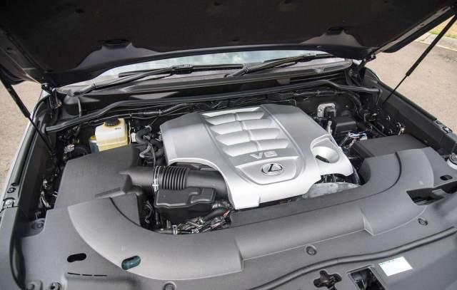 2019 Lexus LX 570 engine