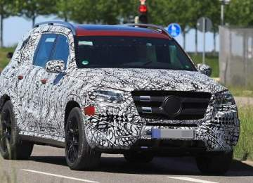 2019 Mercedes GLS spy shots