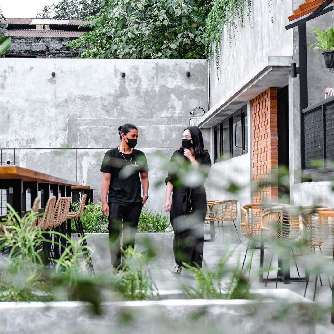 Area Outdoor Almamater Coffee & Eatery