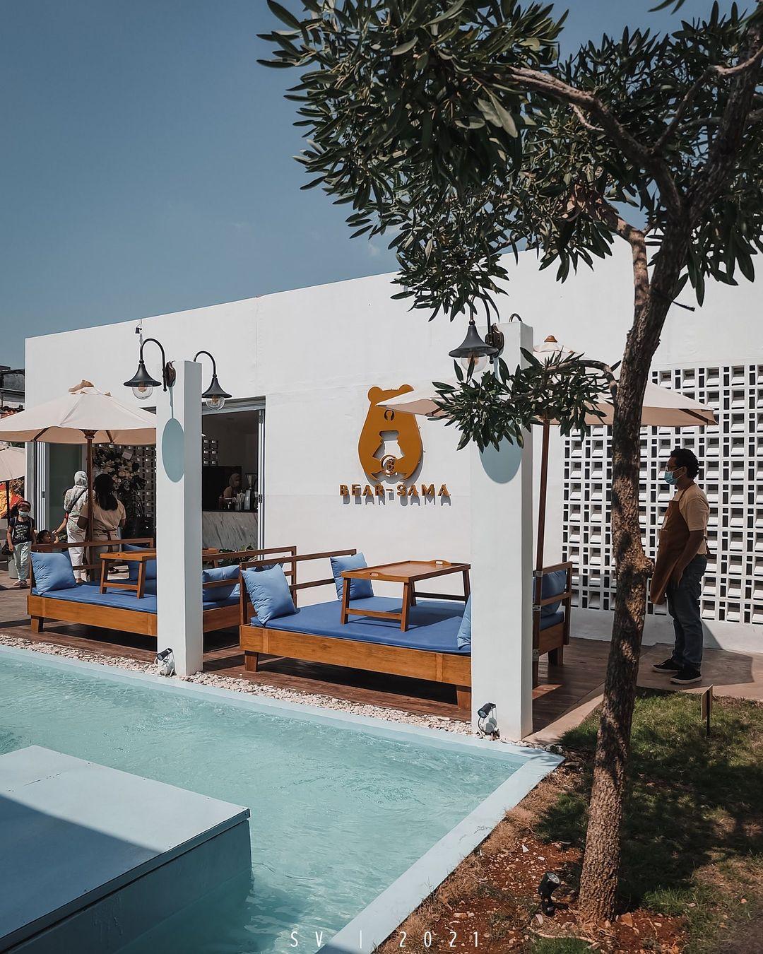 Bear Sama Cafe Meruya