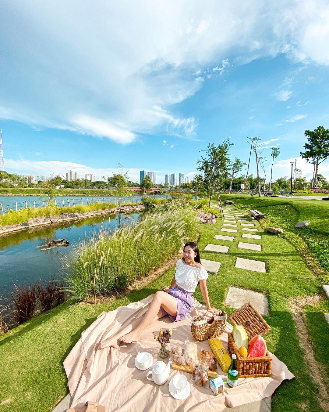 Danau Graha Natura Park Surabaya