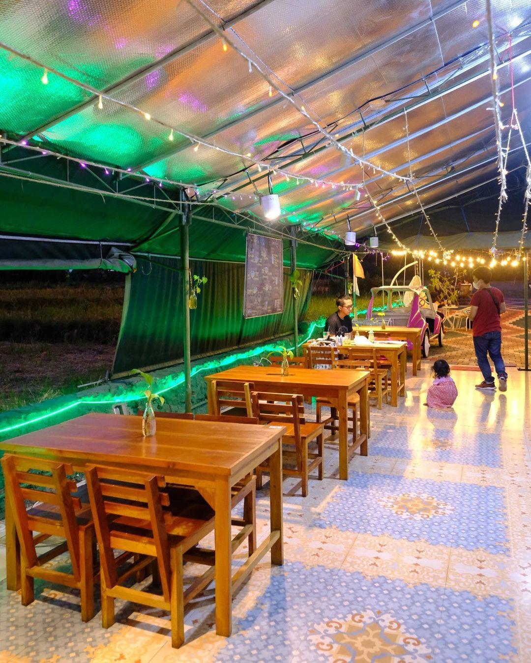Indoor La Tir Coffee Jogja