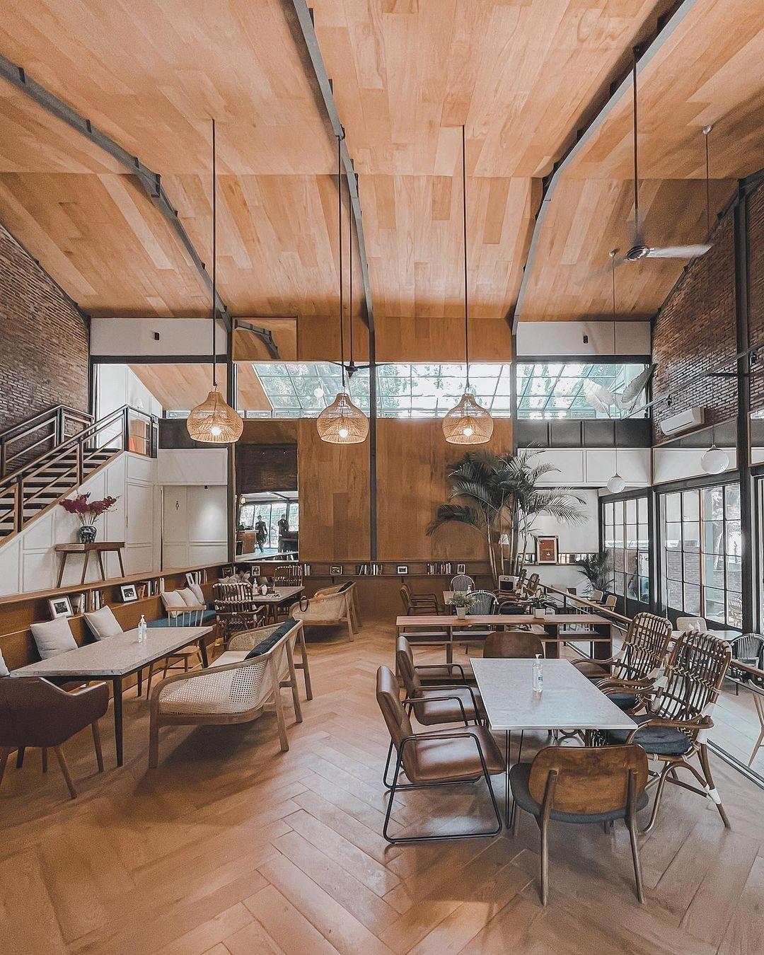 Lot 9 Satrio Cafe