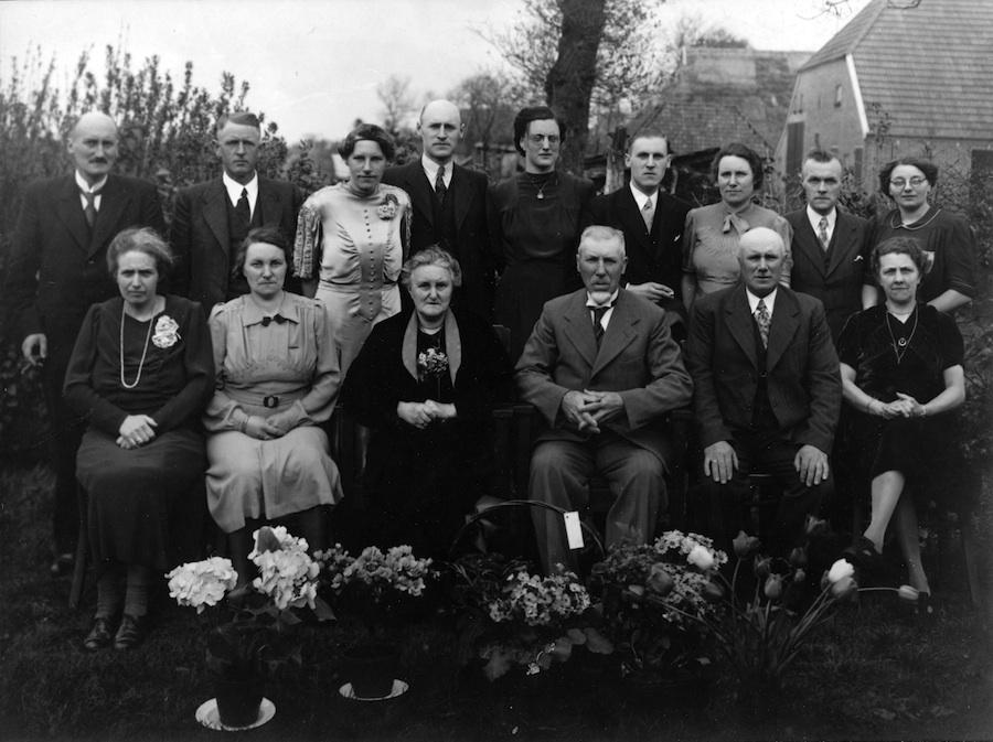 Portret van familie Brink in jaren dertig (?)