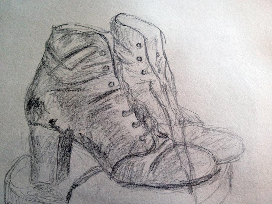 Grijze veterlaarsjes van schoenenkunstenaar Chie Mihara.